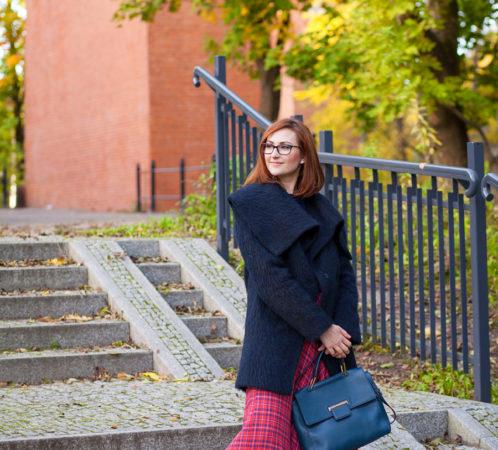 Modelka i stylizacja - Izabela Jabłonowska, zdjęcia - Iwona Bałdyga.
