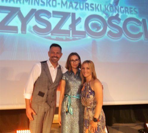 Izabela Jabłonowska, Iwona Guzowska (wielokrotna mistrzyni świata w kick-boxingu, posiada tytuł Ironmana) i Krzysztof Ibisz (prezenter i dziennikarz telewizyjny) - prelegenci Kongresu Przyszłości.